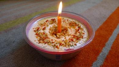 birthday hummus